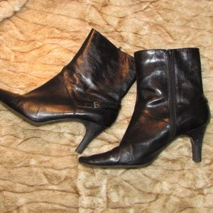 Nine West 9M black Eliza ankle boots